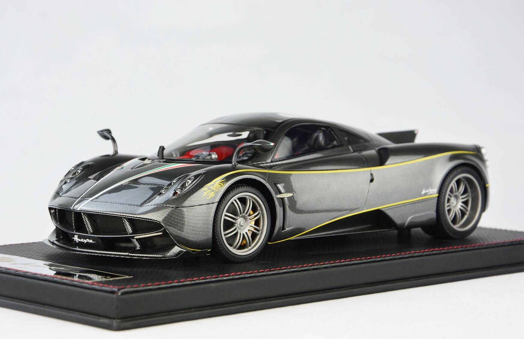 Frontiart AvanStyle 1/18 Pagani Huayra Carbon fiber Gray AS016-13