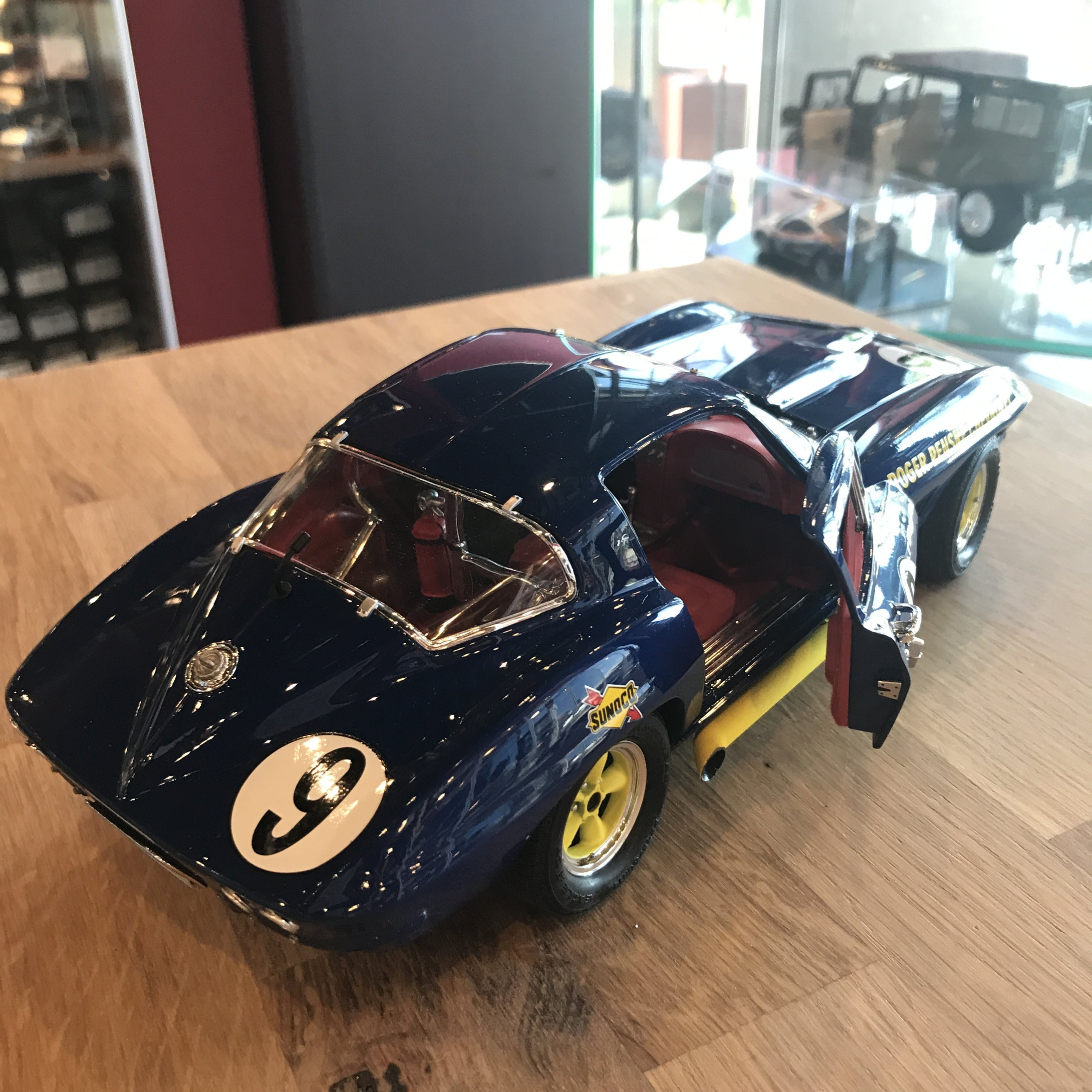 Exoto 1/18 1966 Corvette Sting Ray Competition #9 Class Winner