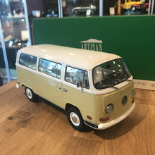 GreenLight 1/18 1971 Volkswagen Type 2 Bus Yellow 19012