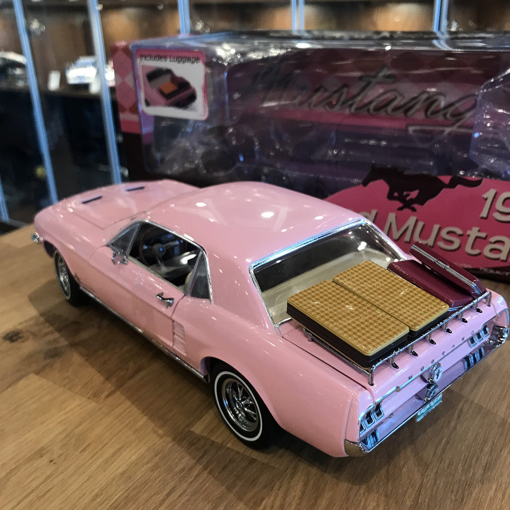 GreenLight 1/18 1967 Ford Mustang Coupe In Playboy Pink