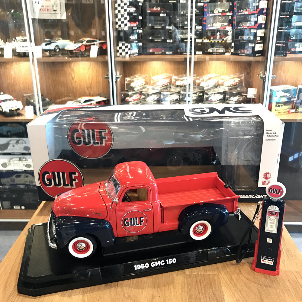 GreenLight 1/18 1950 GMC 150 Pickup Truck Gulf Oil With Gas Pump Red 12984