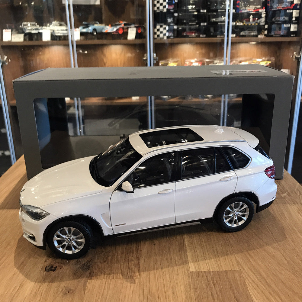 Paragon 1 18 Bmw X5 Series F15 Mineral White Pa 97073