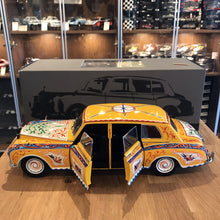Paragon 1/18 1965 Rolls Royce Phantom V John Lennon Version PA-98212 (With flaws)