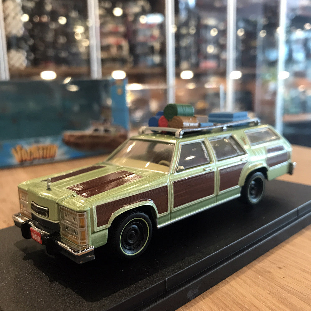 GreenLight 1/43 1979 Family Truckster Wagon Queen