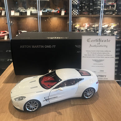 AUTOART 1/18 ASTON MARTIN ONE-77 (MORNING FROST WHITE) 70244