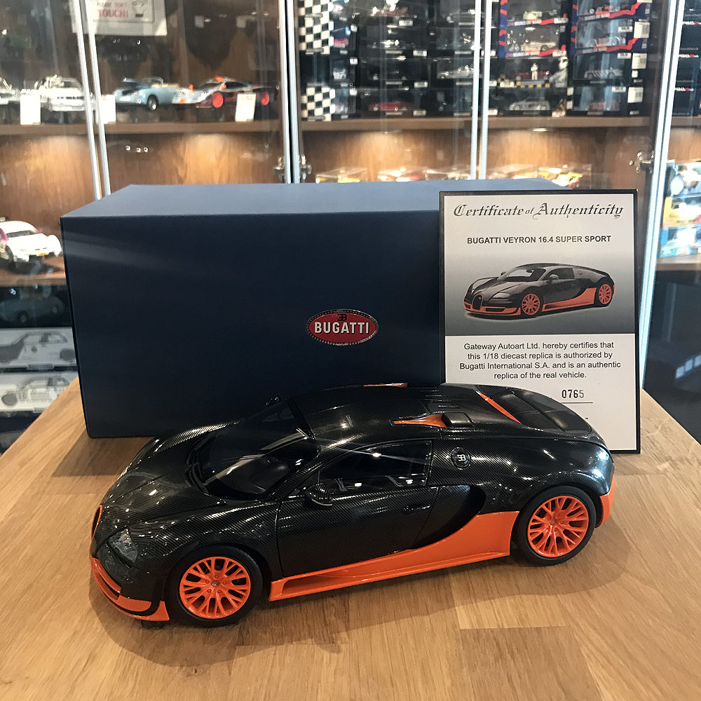 Bugatti Veyron Super Sport Black Orange: AUTOART 1/18 BUGATTI VEYRON SUPER SPORT (CARBON BLACK