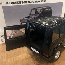 AUTOART 1/18 MERCEDES-BENZ G MODEL 90'S SWB (BLACK) 76111