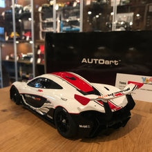 AUTOART 1/18 McLAREN P1 GTR (GLOSS WHITE/RED STRIPES) DIE-CAST CAR MODEL 81541