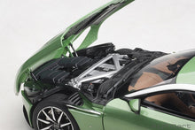 AUTOART 1/18 ASTON MARTIN DB11 (APPLE TREE GREEN) 70269