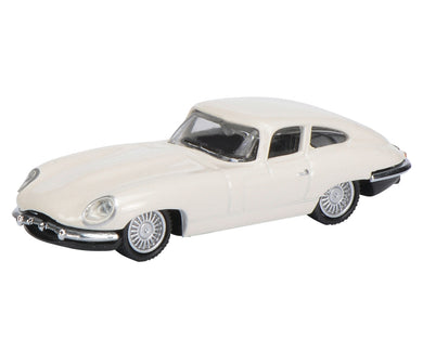 Schuco 1/87 Jaguar E-Type Coupe white 452627400