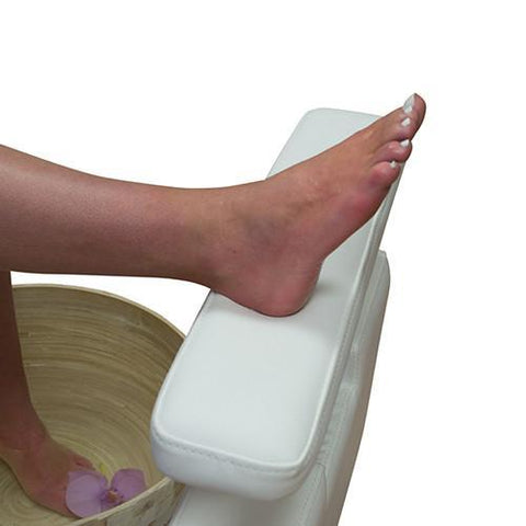 pipeless pedicure chairs save you space