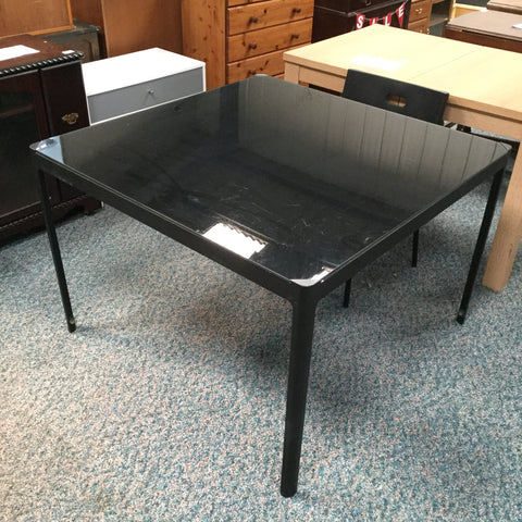 LV0983 - Black Glass Table