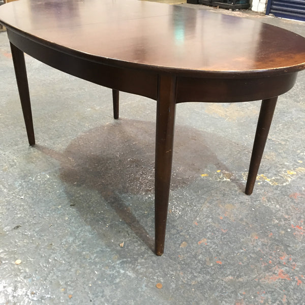 LV0927 - extendable oval dining table