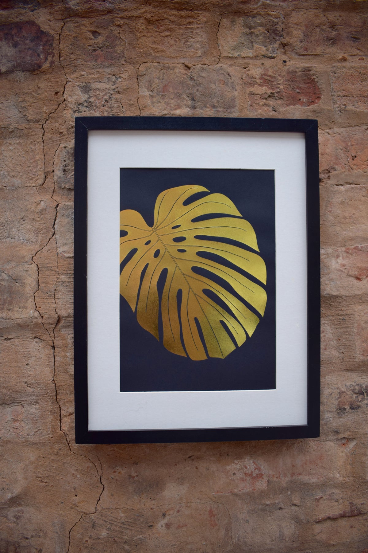 Monstera leaf - Foil print gold on black A4