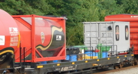 NORFOLK SOUTHERN OAR SPECIAL SET; one-20' Std. height container & one- 20 Tank container.  JTC# 205079  SOLD OUT