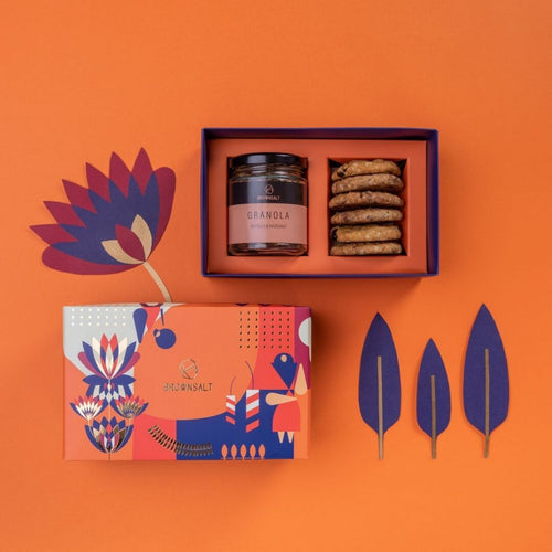Festive Gift Box - Small ( Set B with 1 Granola Jar & 6 cookies) - Brownsalt Bakery