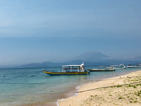Making the most of 3 weeks Island hopping in Indonesia - nusa lembongan seaview
