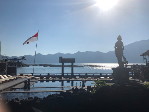 Making the most of 3 weeks Island hopping in Indonesia - lake natural hot spring spa