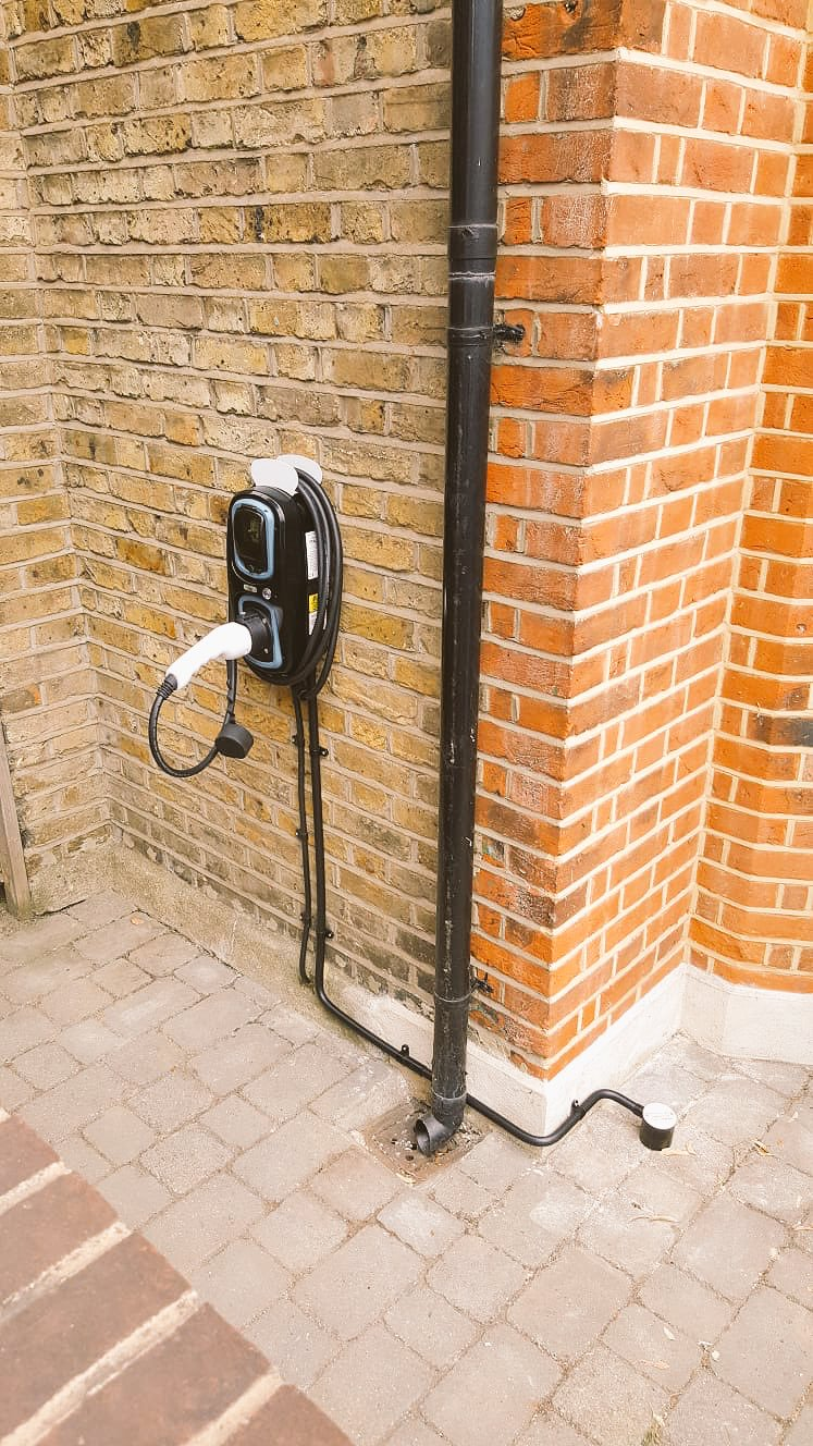 WallPod : EV charging unit | Type 2 Tethered | 16/32 Amp(3.6/7.2kW) | 4.5 Metre | IP65 |