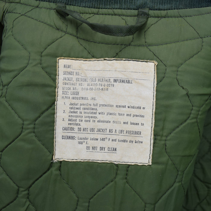 Vintage 70s Military Alpha Industries US Navy Cold Weather Impermeable Jacket L label