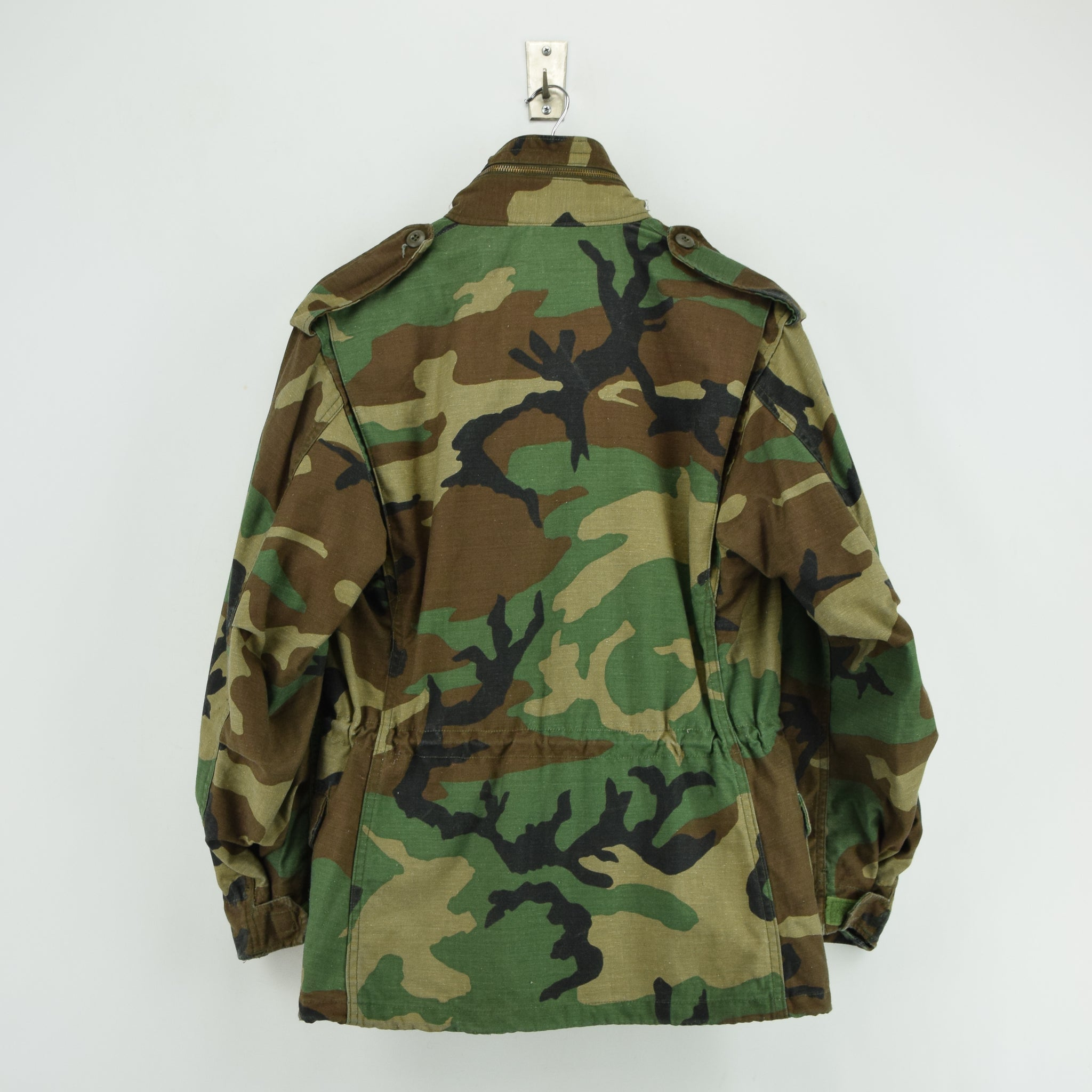 Vintage 80s Alpha Industries M-65 Woodland Camouflage Field Coat Army Jacket S back