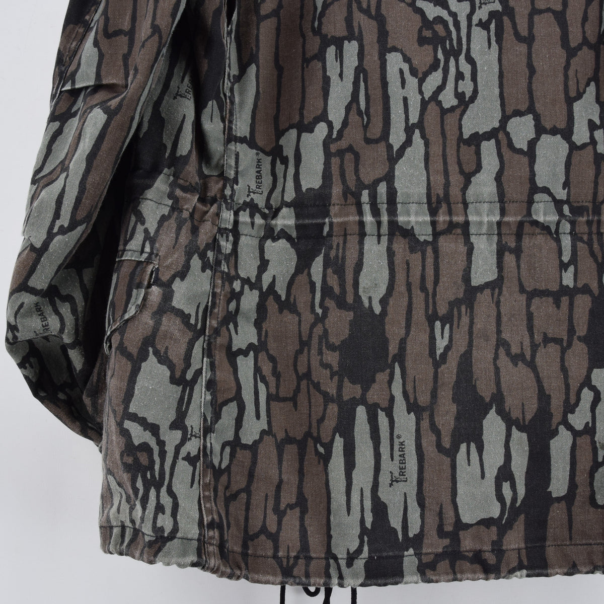 Vintage M-65 Alpha Industries Trebark Camouflage Field Coat Army Jacket M Reg back hem