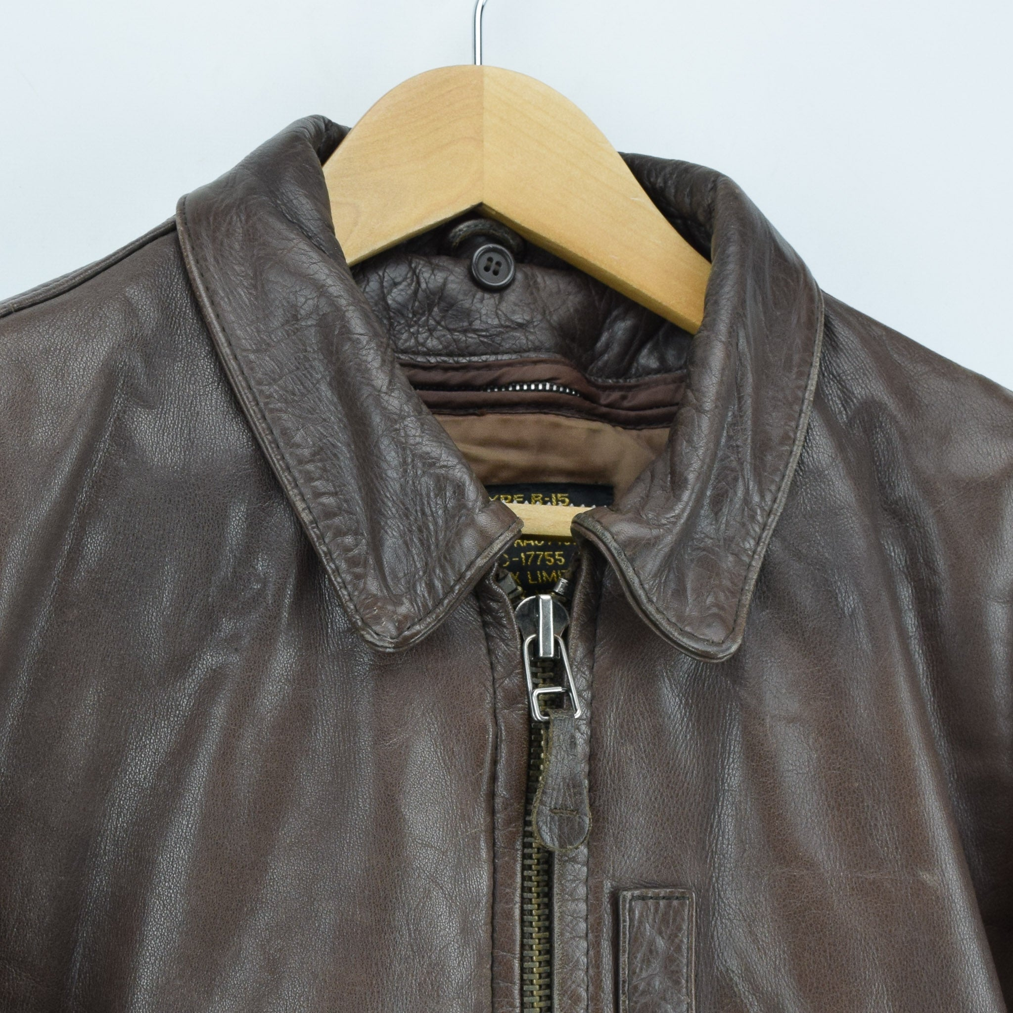 Vintage Avirex B-15 Brown Leather Flight Bomber Jacket L collar
