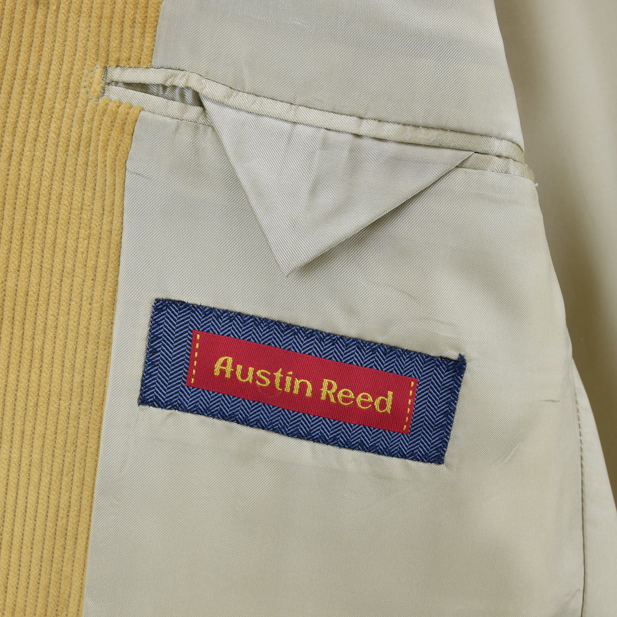 Vintage Austin Reed Sand 3 Button Cotton Corduroy Blazer Jacket 40 Reg internal pocket label