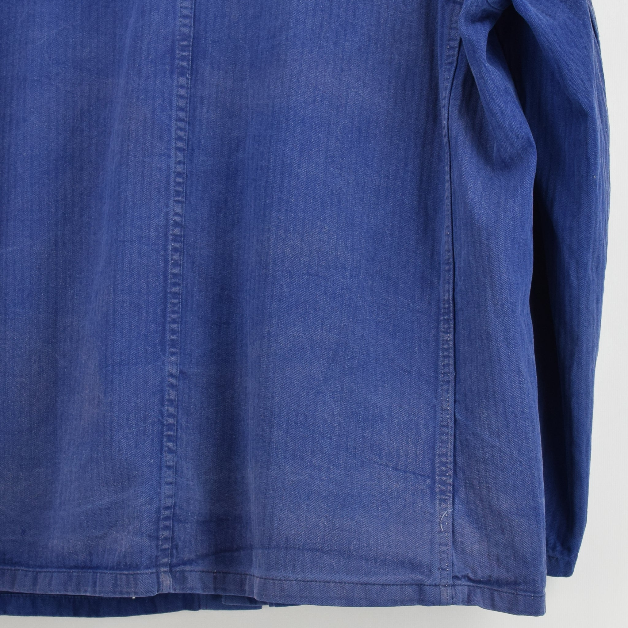 Vintage Distressed Blue French Style Worker Sanforized Cotton Chore Jacket L back hem