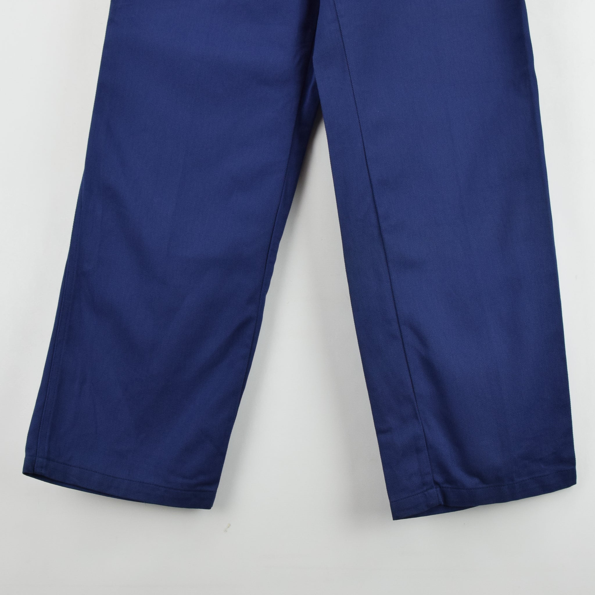 Vintage Workwear Deadstock Blue French Style Work Utility Trousers 32 W 32 L front hem