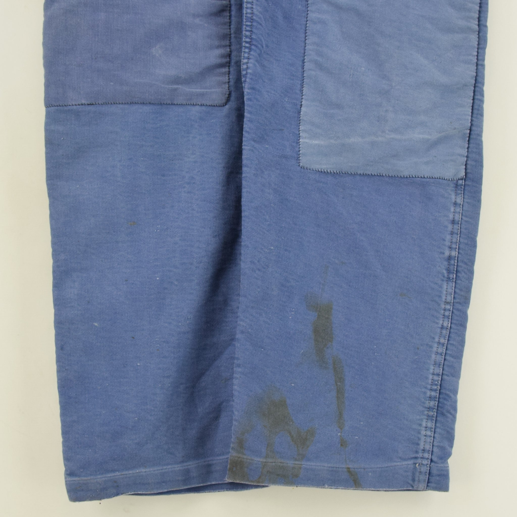 Vintage Distressed Blue French Moleskin Workwear Dungarees Trousers S / M front legs