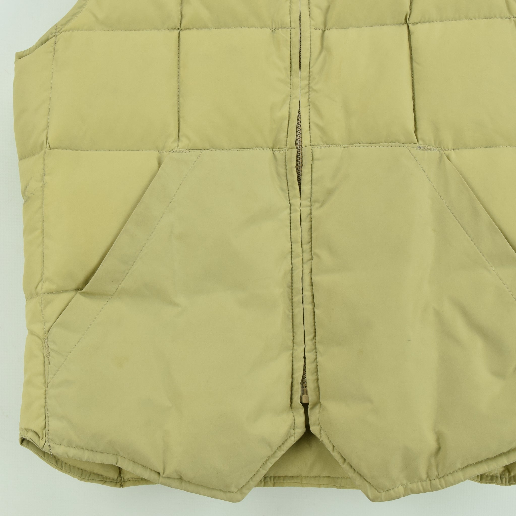 Vintage Eddie Bauer Quilted Gilet Goose Down Bodywarmer Made in Canada S front hem