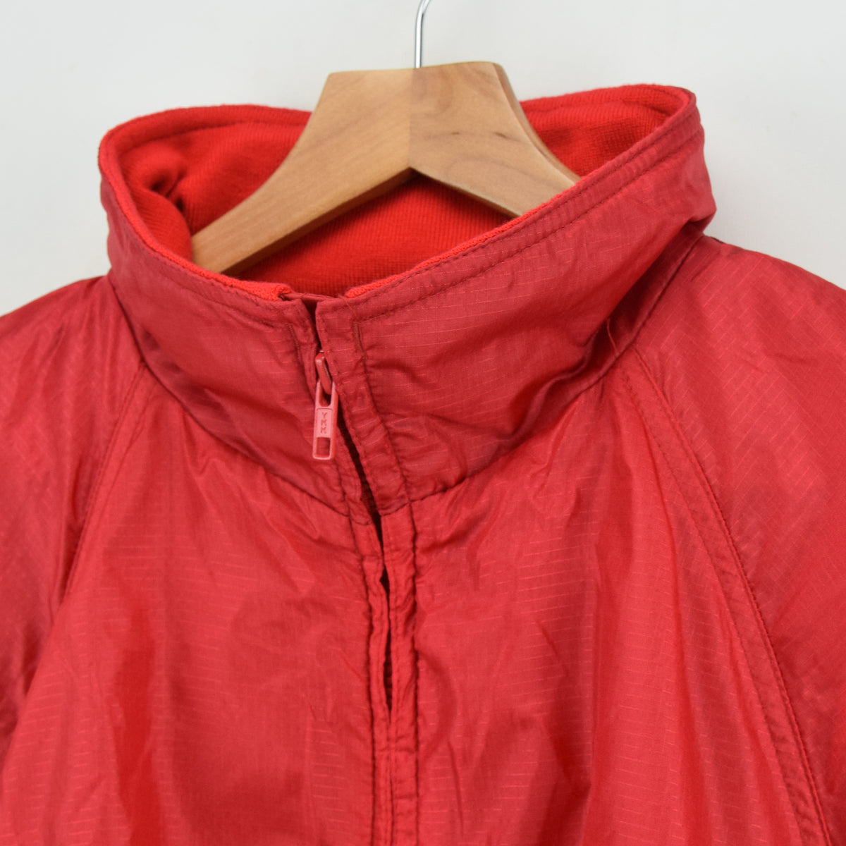 Eddie Bauer Red Hooded Nylon Ripstop Packaway Cagoule Jacket L collar