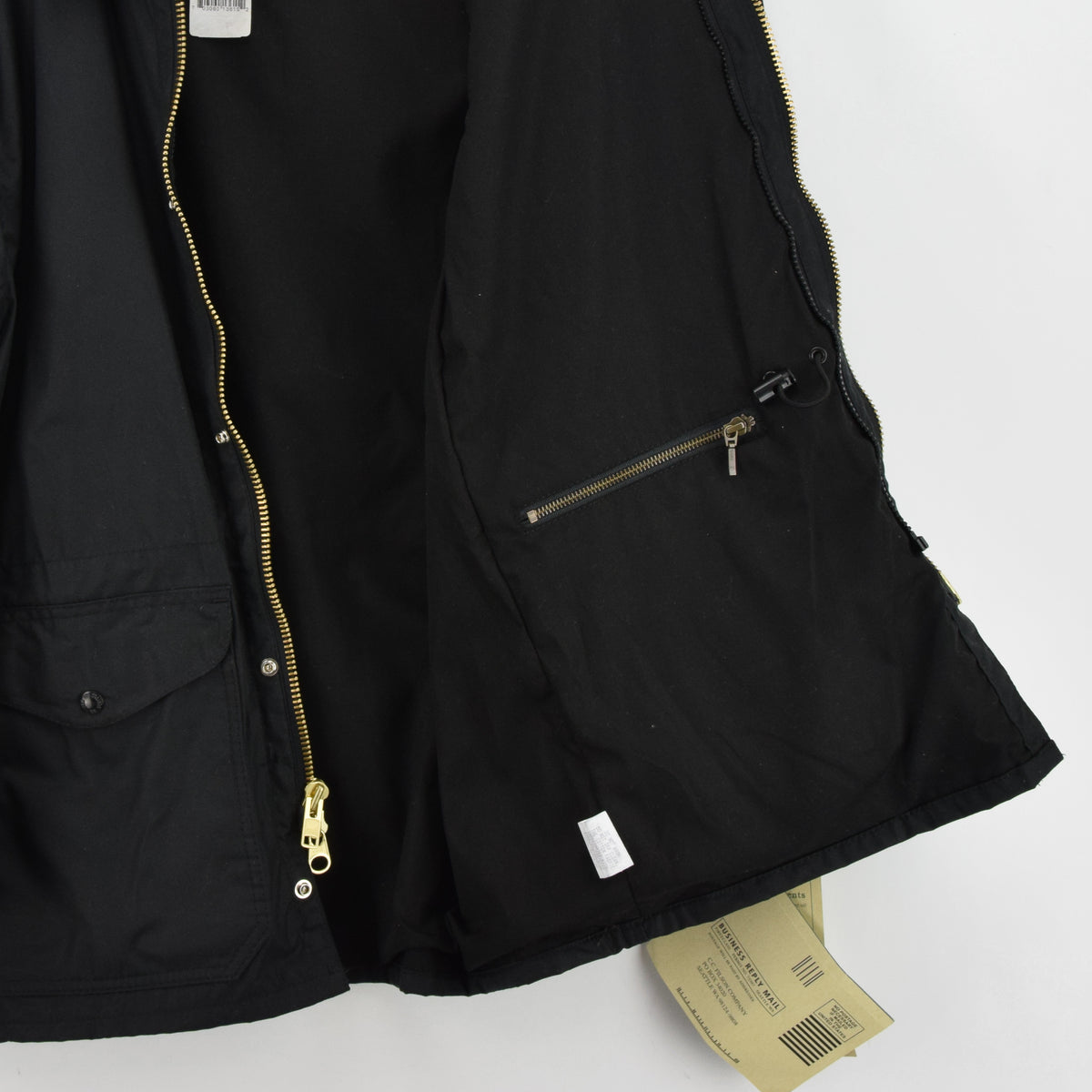 Filson Cover Cloth Mile Marker Coat Black Wax Cotton Jacket Made in USA M internal pocket