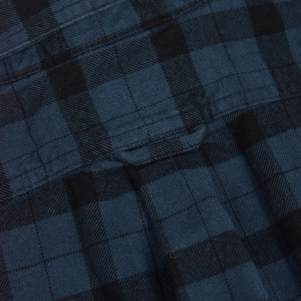 Filson Alaskan Guide Cotton Flannel Shirt Blue/Black Back Detail