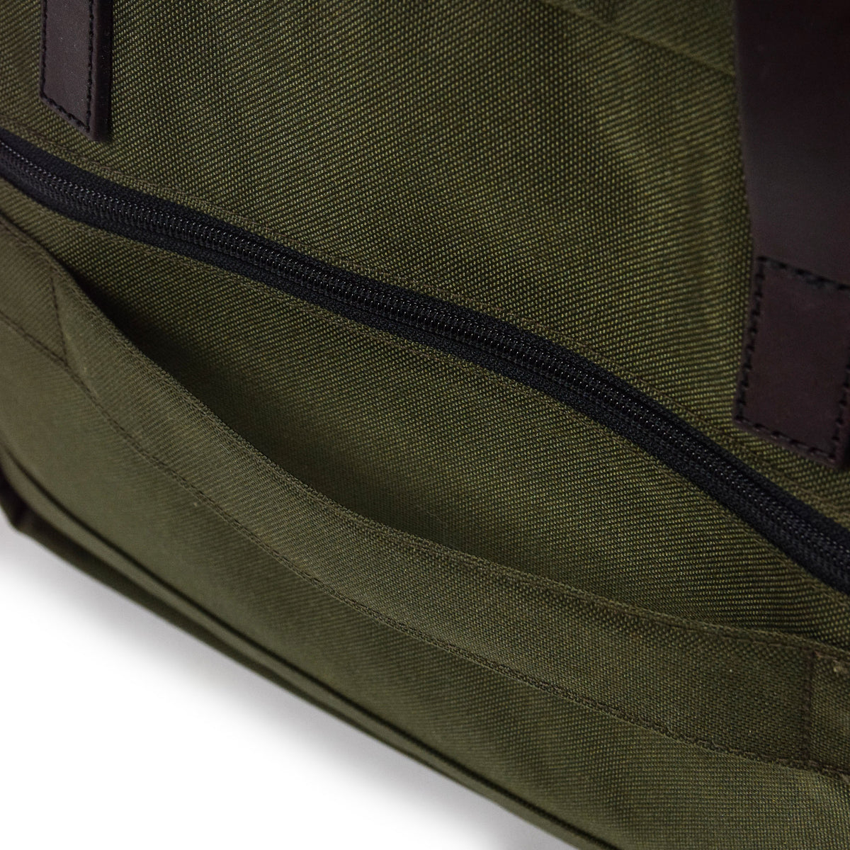 Filson Dryden Briefcase Shoulder Bag Otter Green Back Detail