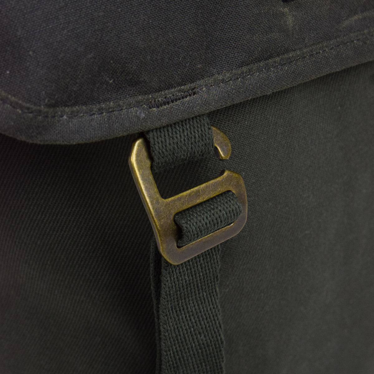 Filson Rugged Twill Ranger Backpack Otter Green Closure Detail