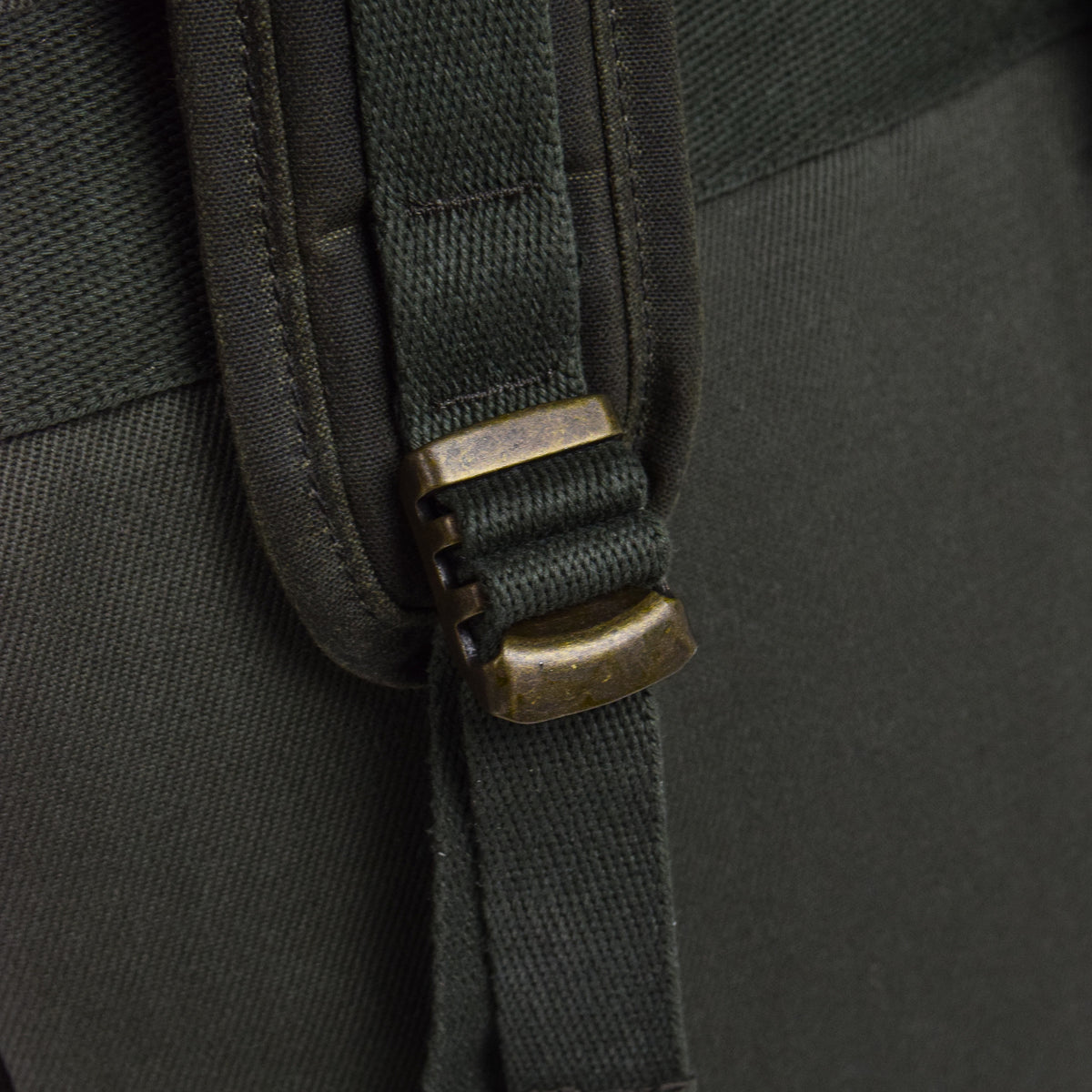 Filson Rugged Twill Ranger Backpack Otter Green Strap Detail