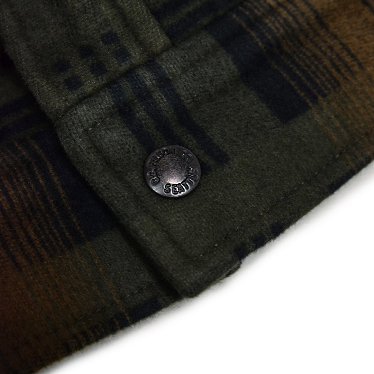 Filson Beartooth Cotton Camp Jacket Black Olive button