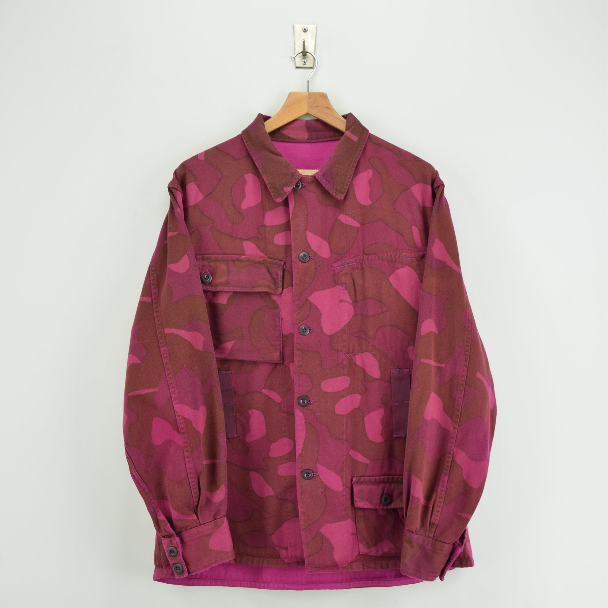 Vintage 60s Military Finnish Army Pink Overdyed Camo Mountain Field Jacket L FRONT