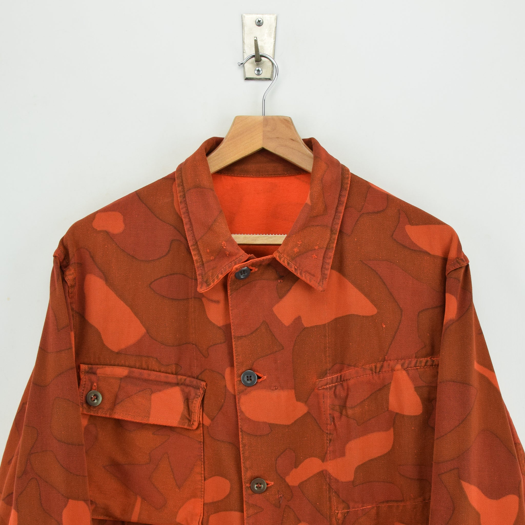 Vintage 60s Military Finnish Army Orange Overdyed Camo Mountain Field Jacket L chest