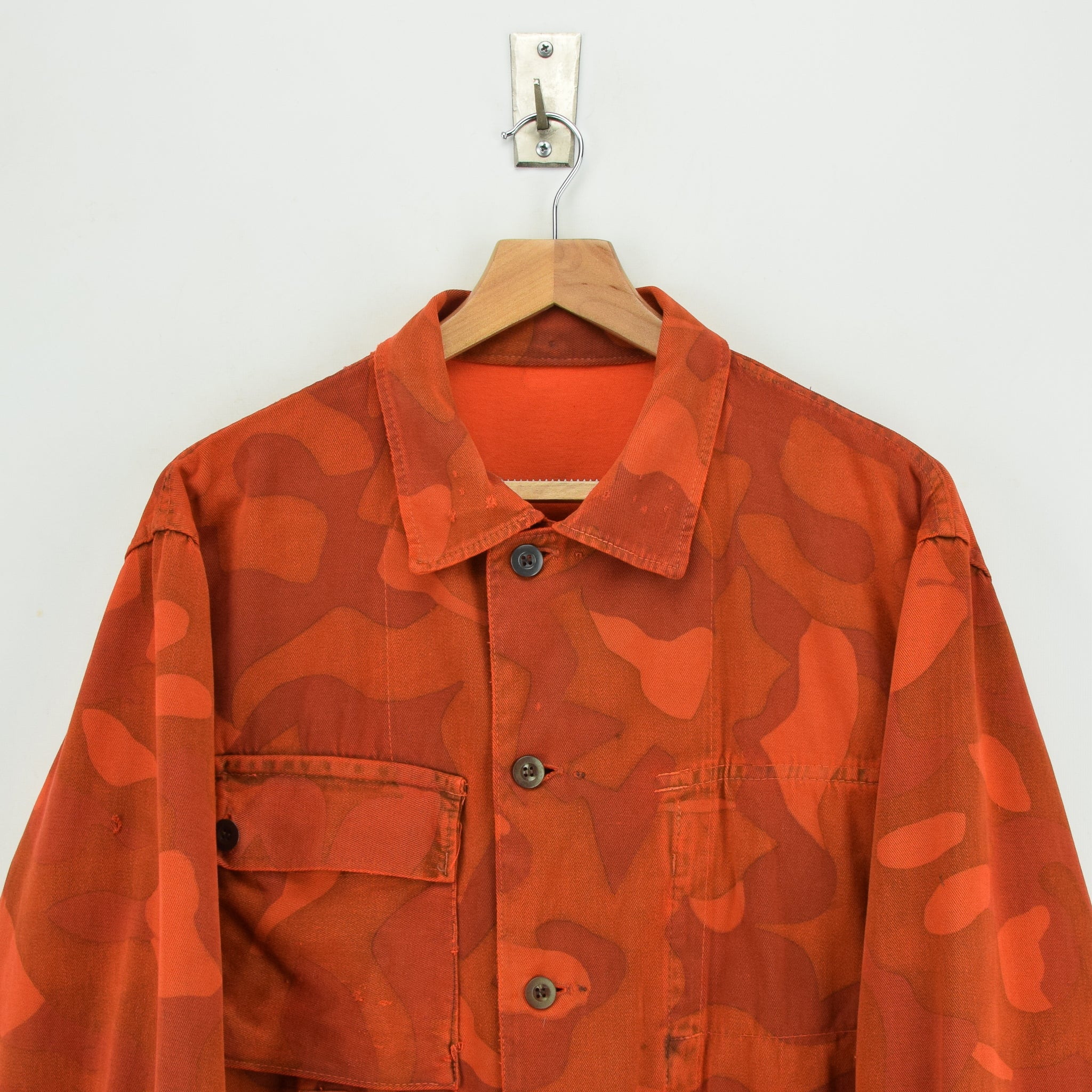 Vintage 70s Military Finnish Army Orange Overdyed Camo Mountain Field Jacket L chest