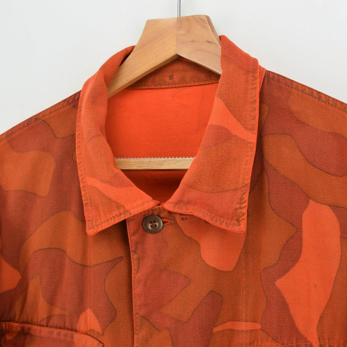 Vintage 70s Military Finnish Army Orange Overdyed Camo Mountain Field Jacket XL collar