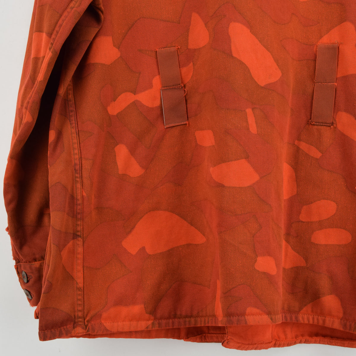 Vintage 70s Military Finnish Army Orange Overdyed Camo Mountain Field Jacket XL back