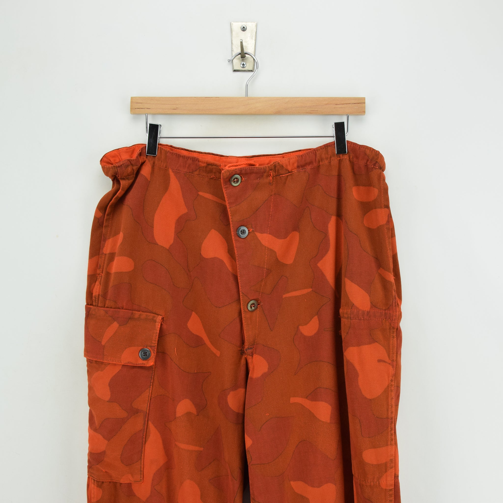 Vintage Military Finnish Army Orange Overdyed Camo Mountain Trousers 34-36 W front waist