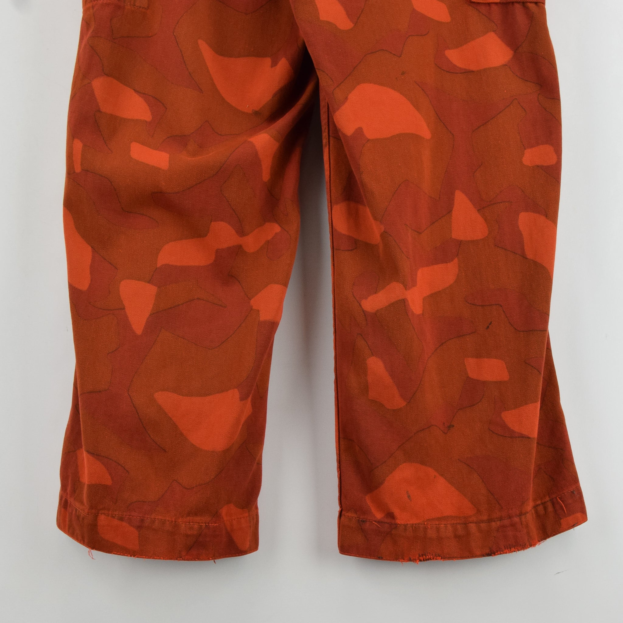 Vintage Military Finnish Army Orange Overdyed Camo Mountain Trousers 34-36 W back hem