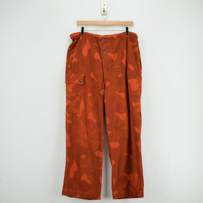 Vintage Military Finnish Army Orange Overdyed Camo Mountain Trousers 34-36 W front