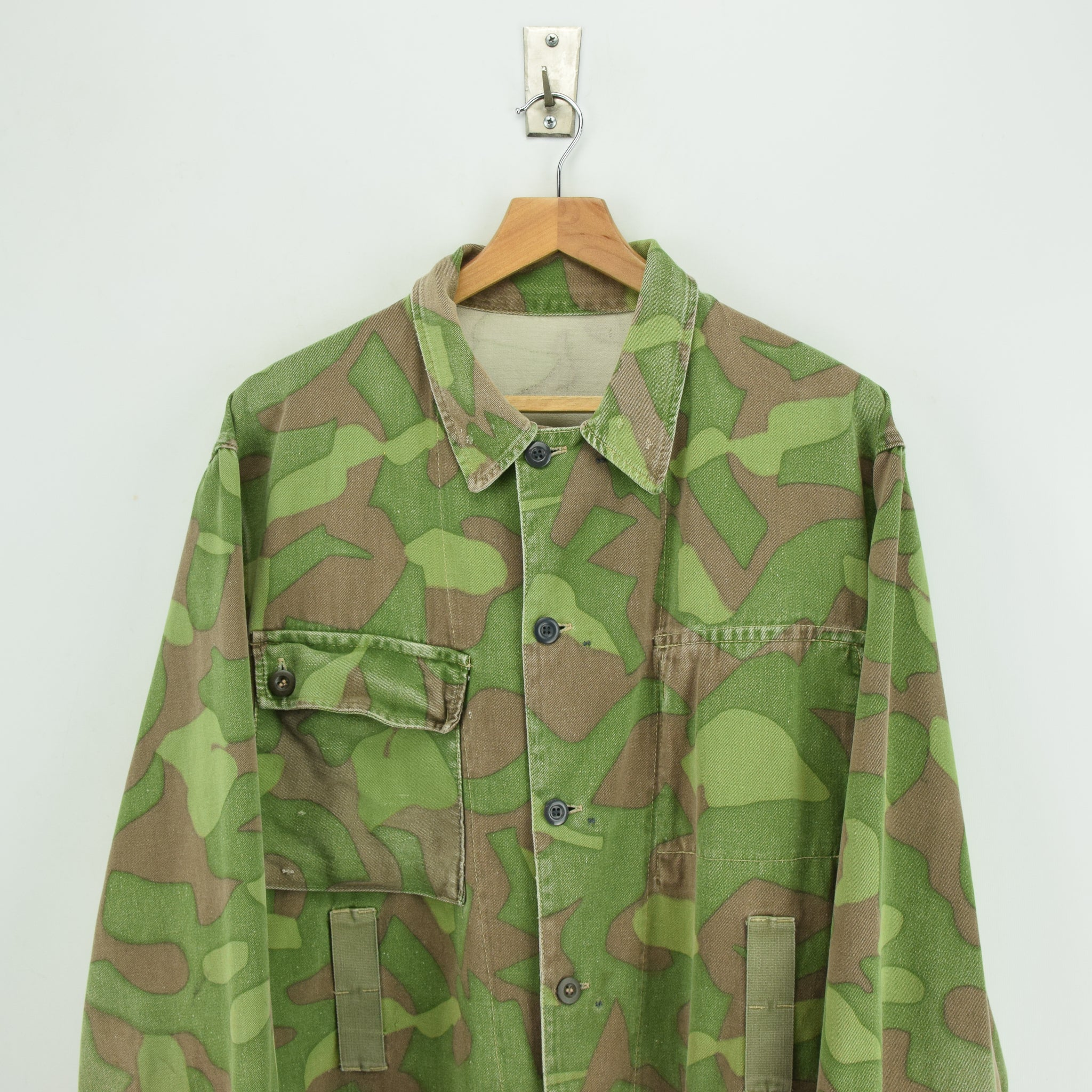 Vintage 60s Military Finnish Army Green Camo Mountain Field Jacket XL chest
