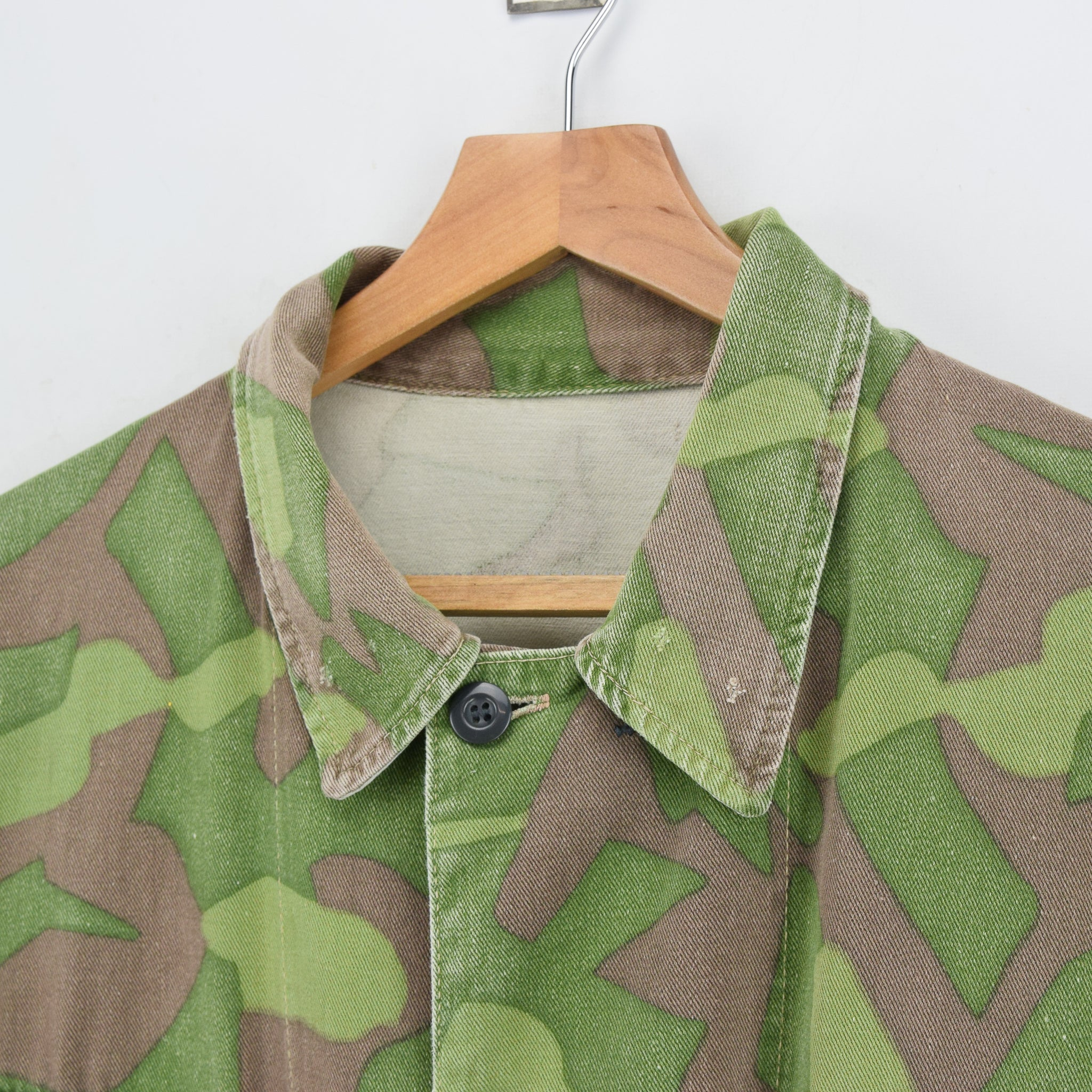 Vintage 60s Military Finnish Army Green Camo Mountain Field Jacket XL collar