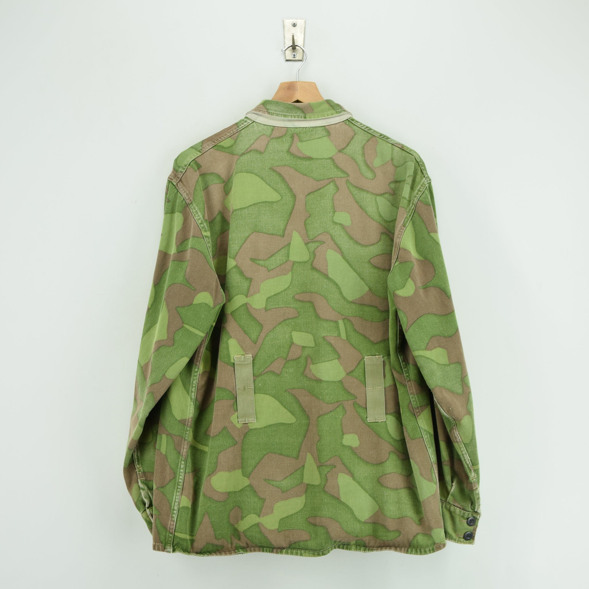 Vintage 60s Military Finnish Army Green Camo Mountain Field Jacket XL back